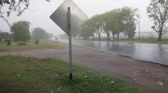Cambio de tiempo: rigen alertas por vientos y tormentas