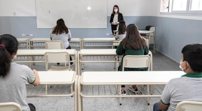 """La UEPC advierte que """"hay mucha incertidumbre y temor en los docentes"""""""