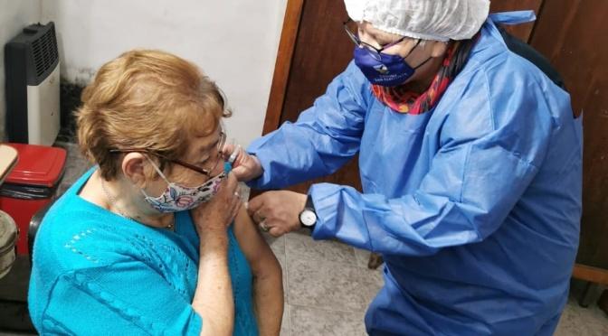 Con la llegada de dos dosis, empezó la vacunación en San Clemente